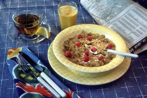 ישנם דגני בוקר ומיצי תפוזים המועשרים בויטמין B12 - כושר וטבעונות